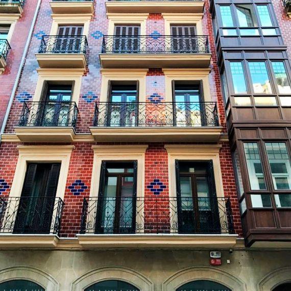 Reforma de miradores y fachada en Calle Arrasate