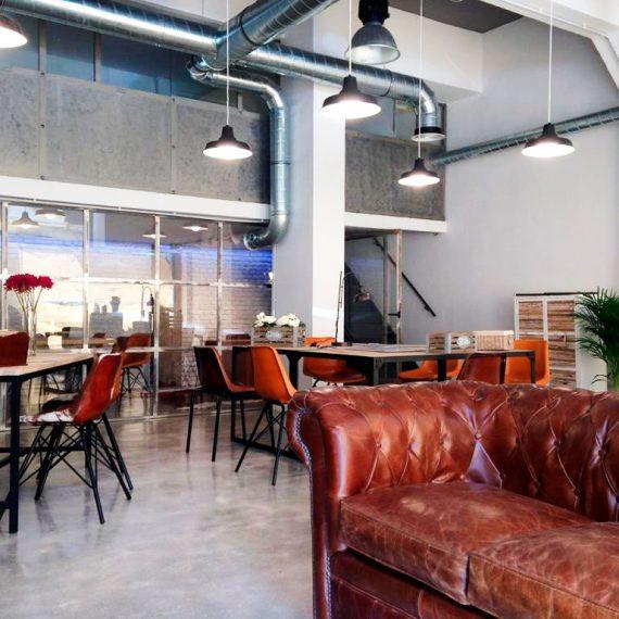 Diseño y reforma del espacio inmobiliario Monas en Gros