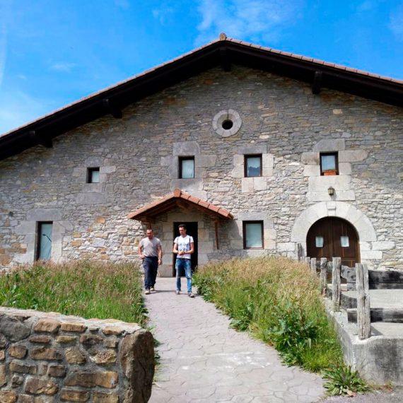 Reforma de vivienda, caserío Erregiñenea de Gaztelu