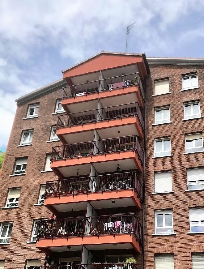 Reforma de fachada SATE en Altza realizada por Macla Arquitectos en Altza - Donostia