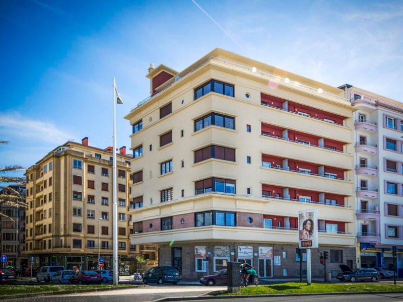 Reforma de fachadas y el refuerzo estructural, edificio catalogado