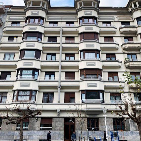reforma de las fachadas del edificio de Avda. Navarra 46 en Donostia-San Sebastián - Macla Arquitectos
